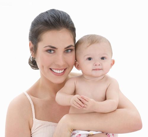 【揭秘】母乳喂养的技巧说明 刚生完宝宝就带腹带好吗