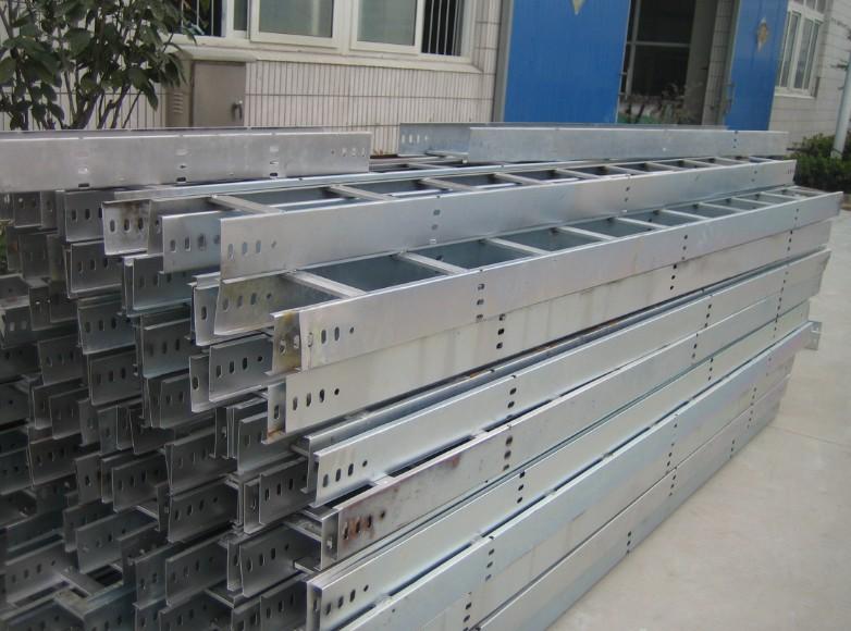 江蘇梯級式電纜橋架