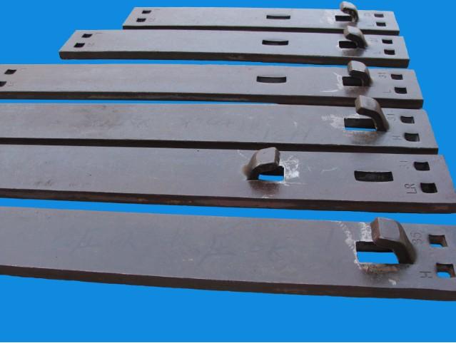 钢轨道岔垫板