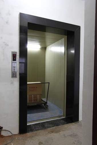 液压升降电梯