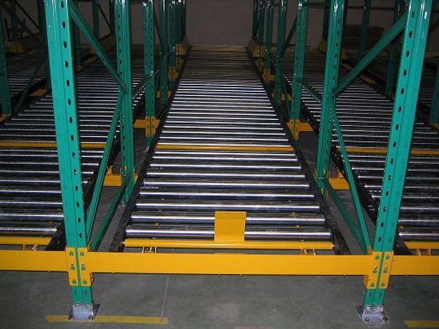 【图片】陕西选购仓储货架需要达到什么标准 更多的3D用品已经摆上了货架