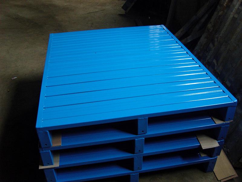 陕西仓储货架塑料托盘生产厂家教您如何更好的利用塑料托盘 塑料托盘和木质托盘谁在争抢托盘行业大蛋糕