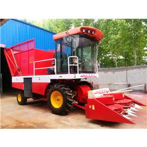 河北改装新型玉米秸秆收获机