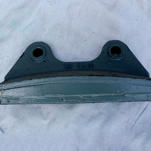 制砂机抛料头教大家如何选择冲击破配件 导流板拆卸和安装一定要注意