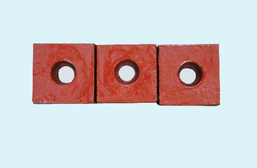 【优选】破碎机的零部件选择是很重要的 如何能够认识到制砂机耐磨块的好坏