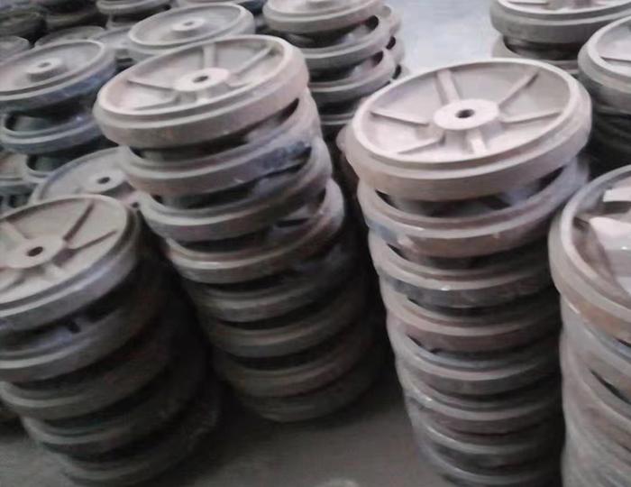 制砂机配件分料堆