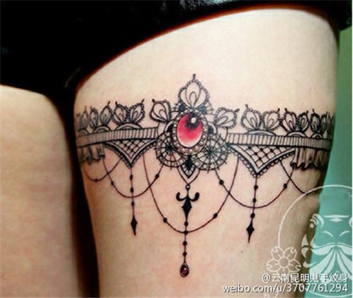 漂亮的蕾丝tattoo