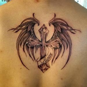 翅膀纹身图案大全男 情侣纹身翅膀图案大全 背部纹图片