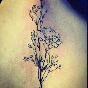 线条花纹身图片