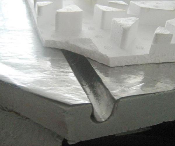 地暖反射膜使用