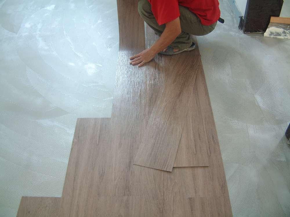 兴义木纹PVC地板