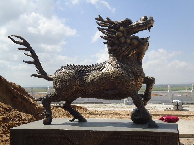 世华天地雕塑