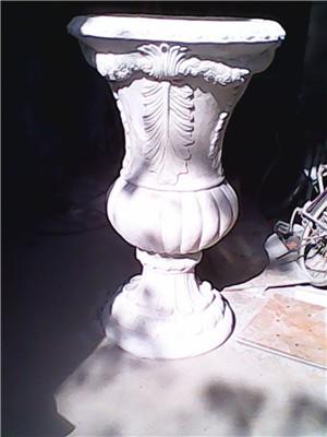郑州砂岩欧式花钵雕塑