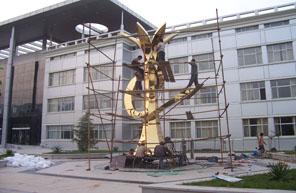 雕塑工程施工现场