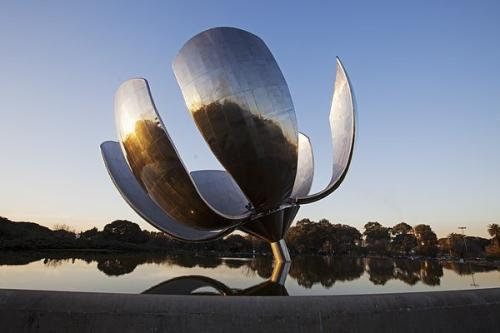 郑州不锈钢艺术雕塑