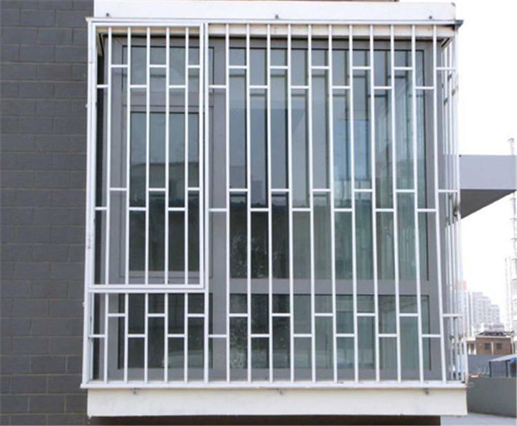 锌钢护窗护栏安装