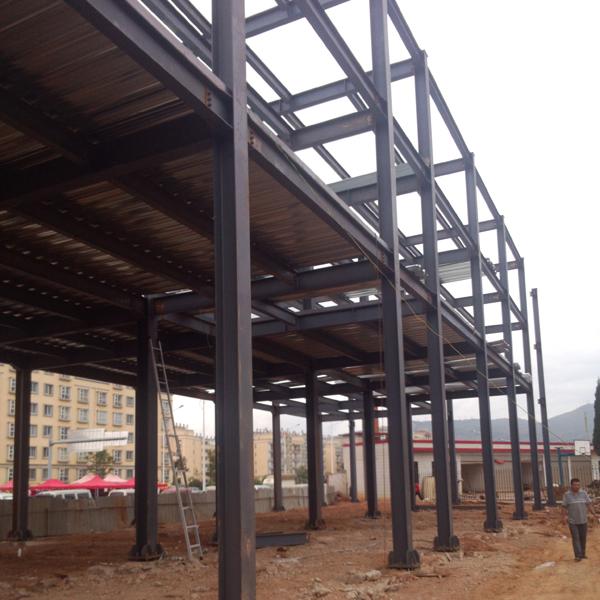 钢结构活动房施工现场