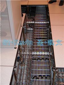 钢网桥架安装