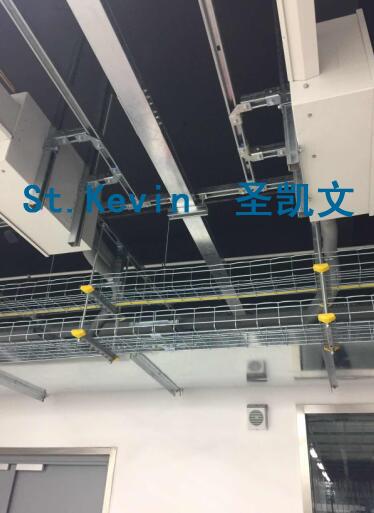钢网桥架吊装示意图