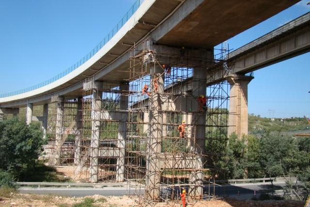 桥梁建筑加固