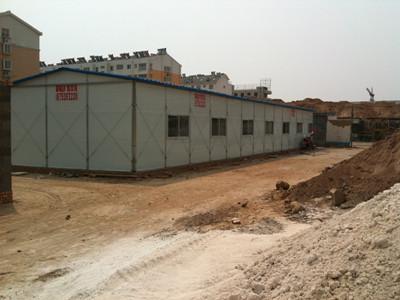 【厂家】山东活动板房生产加工材料选择 如何确保山东活动板房的使用安全