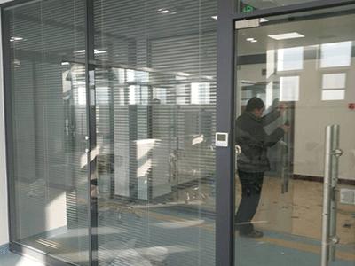 玻璃隔断生产厂家
