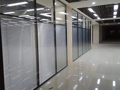 百叶玻璃隔断