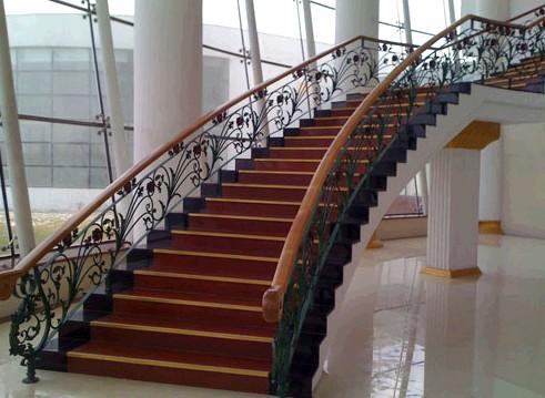 石家庄铁艺楼梯