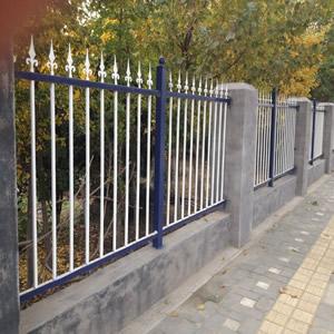 铁艺护栏定做