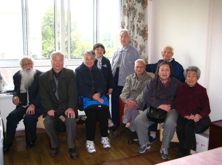 【图文】养老院建议老人饭后这样做_对生活充满热爱也会影响身体健康