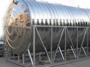 不锈钢圆柱形水塔