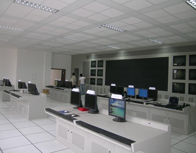 经典平桌式操控台