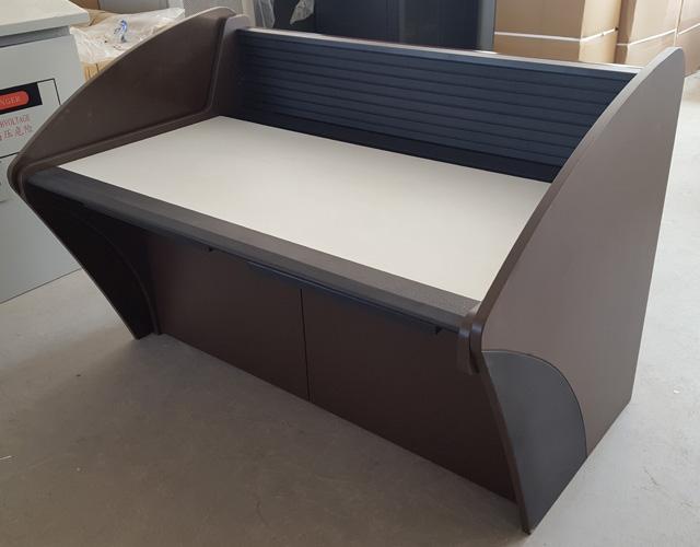 弧形侧板铝屏风操控台