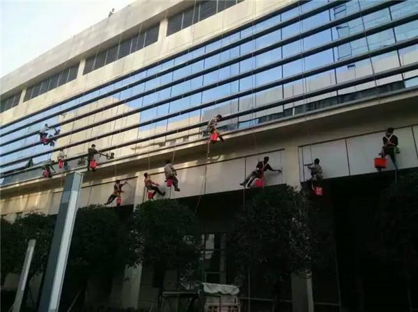 貴陽外牆清洗公司