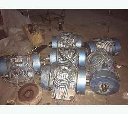 维修7.5kw振动电机