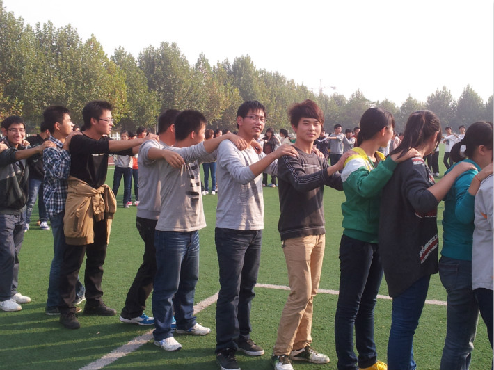 石家庄户外拓展训练拓展训练对于团队集体的价值 拓展训练场的规模