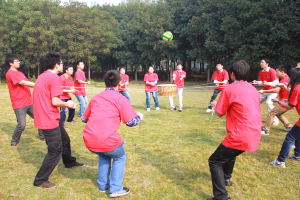 【原创】走在成功的路上 拓展训练对于团队集体的促进