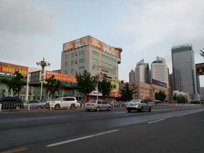 唐山新华道与建设路交口联通大楼楼顶