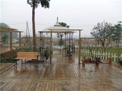防腐木花园
