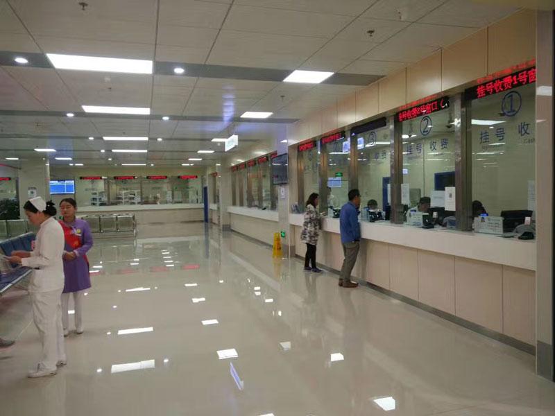 云南省人民医院叫号机