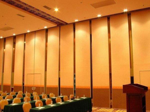 贵阳酒店会议室隔断装修