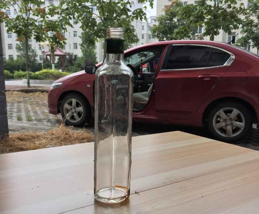 饮料果汁玻璃瓶