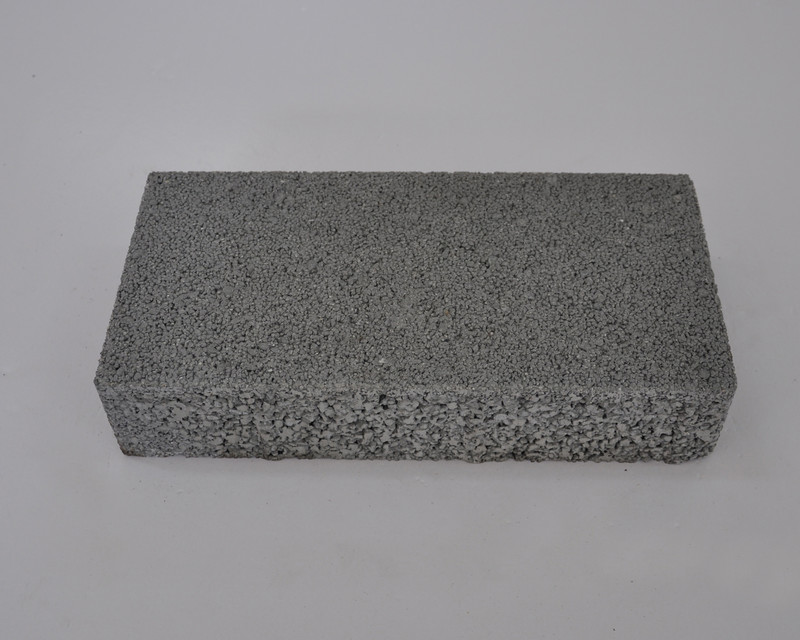 浅灰透水砖300x150x60