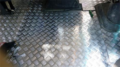 车用花纹铝板
