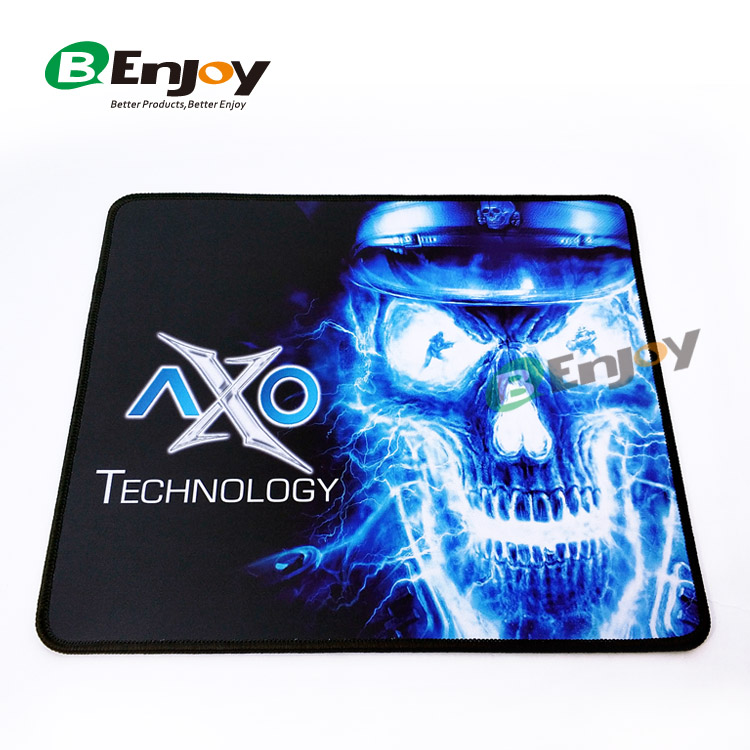 locked edge gaming mouse pad