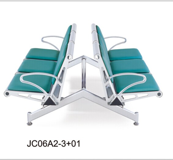 石家庄办公桌椅办公班台在使用时要注意哪些问题 实用与外观完美结合