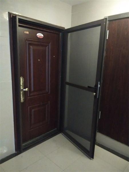 儿童防盗门