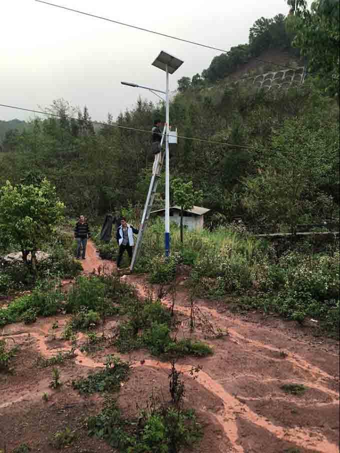 農村太陽能路燈安裝