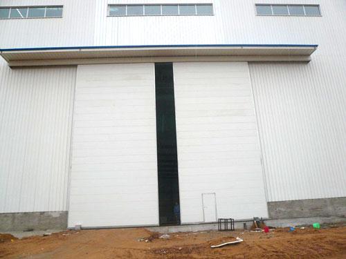 【多图】军威门业车库门生产厂家如何 车库门已经不仅限于车库