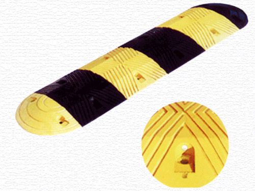 橡胶减速凸